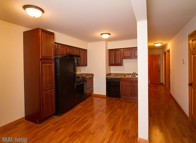 Arbor Hills - Black Appliances in 2 Bedroom