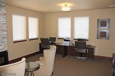 The Tuscany on Pleasant View - Business Center with Library and Fireplace
