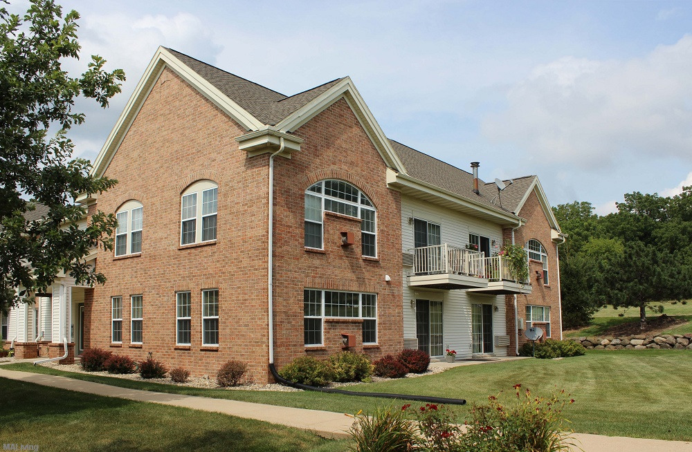Iron Ridge Wi Apartments