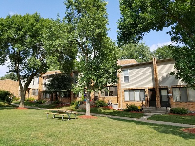 Glendale Townhomes - Mature Trees