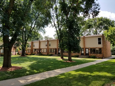 Glendale Townhomes - Nice Shade Trees