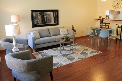 Glendale Townhomes - Living Room