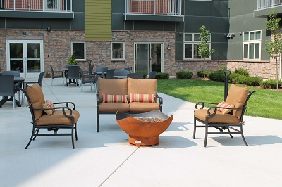 Yahara Terrace - Comfy Outdoor Fire Pit Area