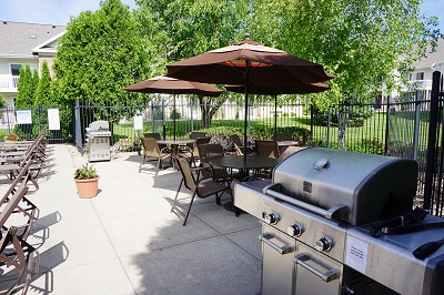 Stone Creek Gardens - Grilling Area