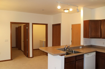Foxboro Commons - 1 Bedroom + Den