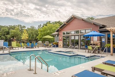 Hidden Creek Residences - Sparkling Outdoor Swimming Pool