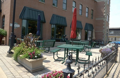 Olde Town Center - Olde Town Coffee House Outdoor Seating
